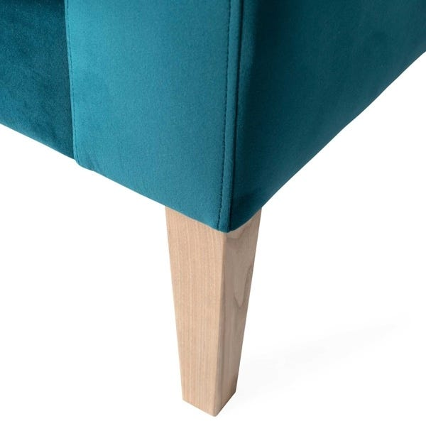 Smartly tapered solid ash legs available in 3 finishes.