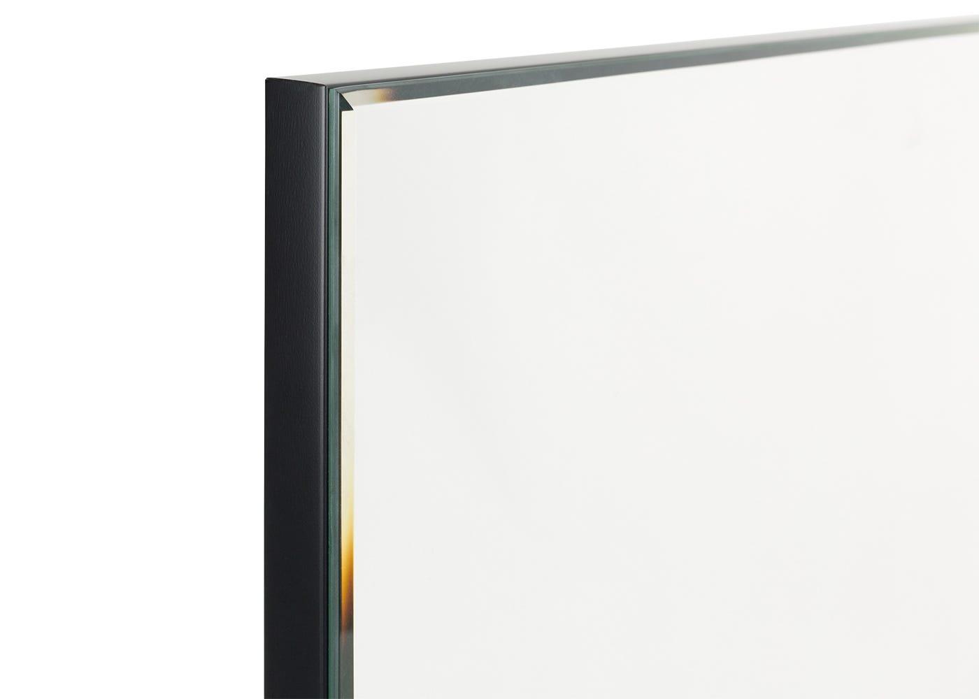 Bevelled edge detail on medium mirror