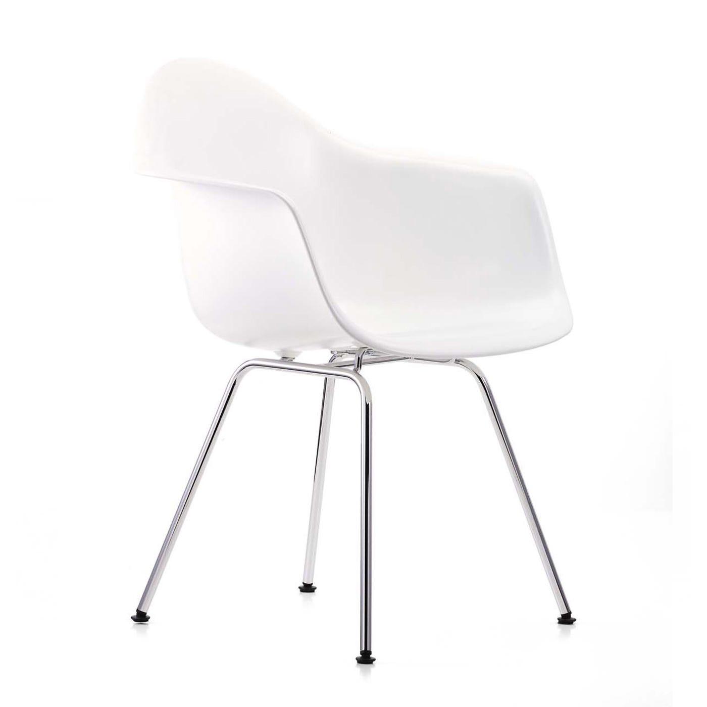 Vitra Eames DAX Chair