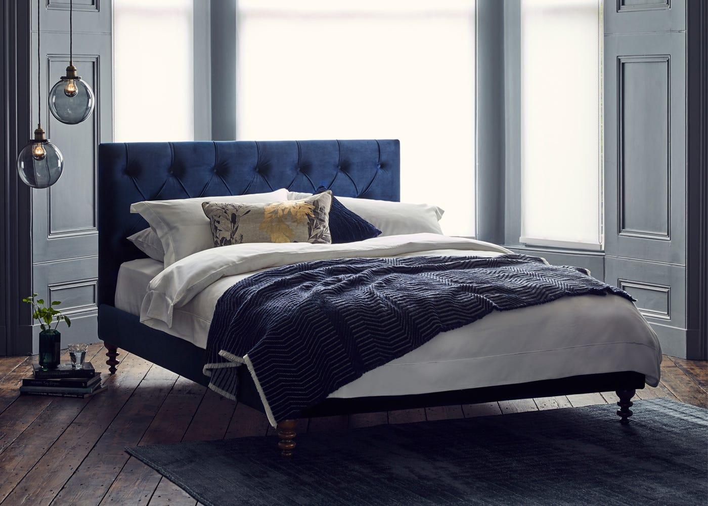 Balmoral bed In Smart Velvet Pacific