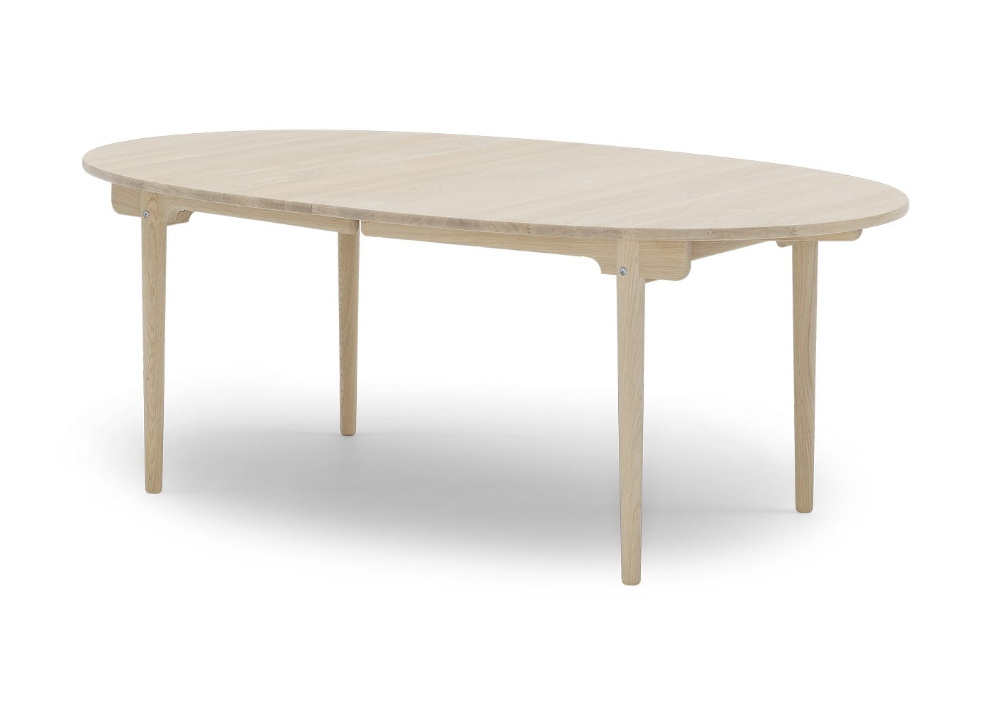 CH338 Extending Dining Table Soaped Oak - Side profile.