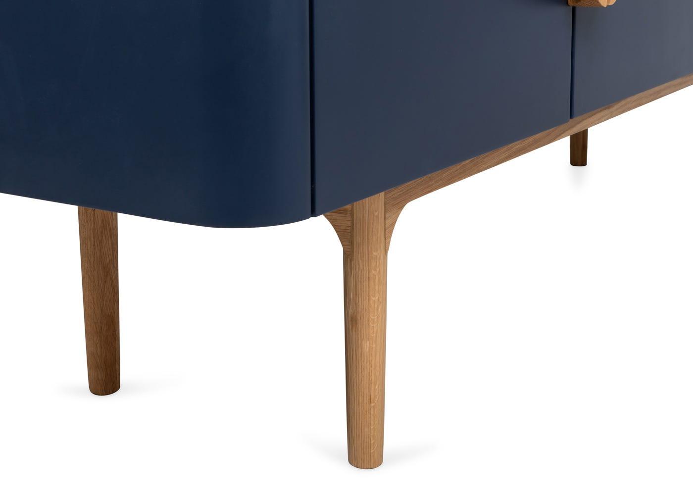 As shown: Oak legs.
