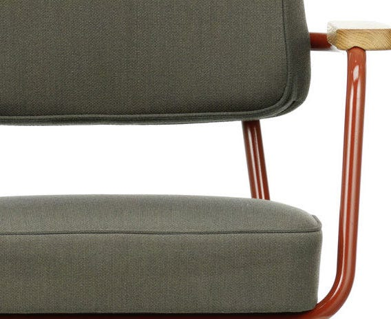 A deep cushion and foam backrest upholstered in premium Twill and Volo fabrics provide a comfortable sit.