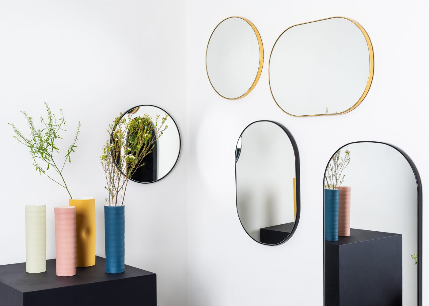 New Fine Edge Mirrors, here you can see the extra small round in both gold and black (use as a scale measure, silver not shown)