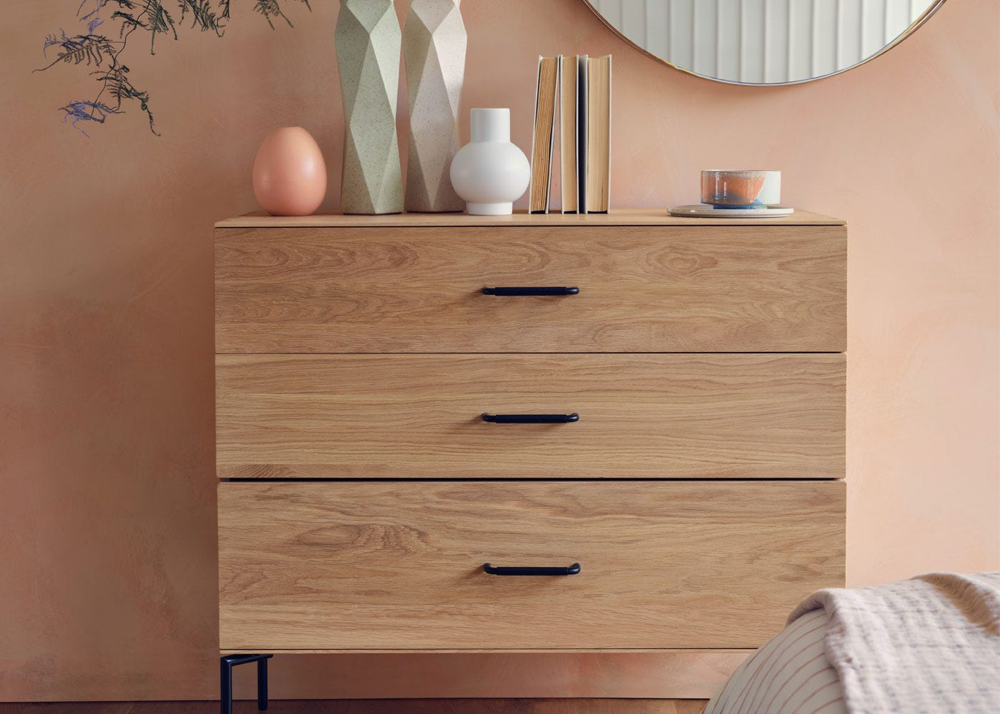 As shown: 3 Drawer chest.