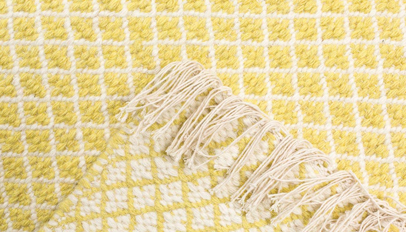 Maryland rug yellow corner shot