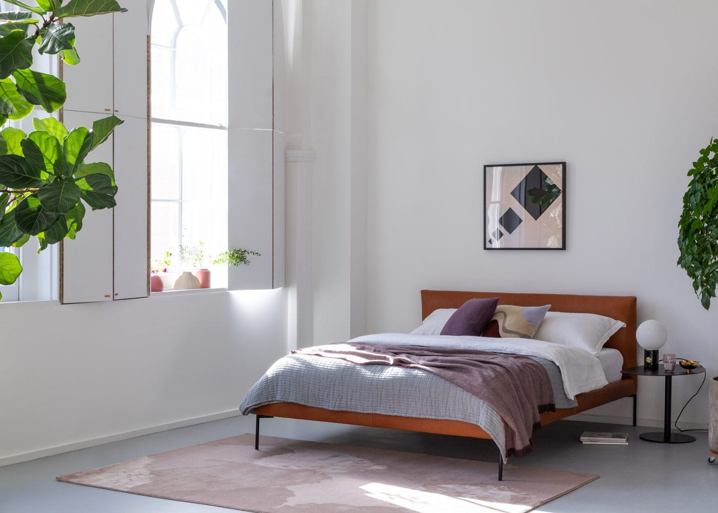 Matera Bed in Daino Leather Treacle
