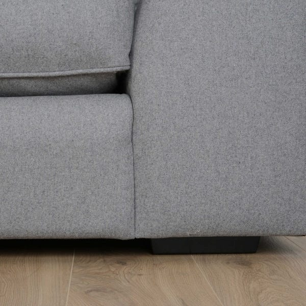 Serpentine sprung base creates comfort and durability to stand the test of time