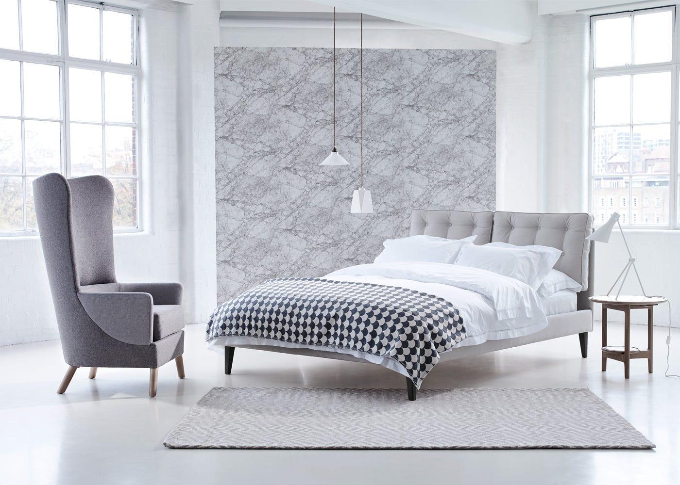 Upholstered in Linen Hessian