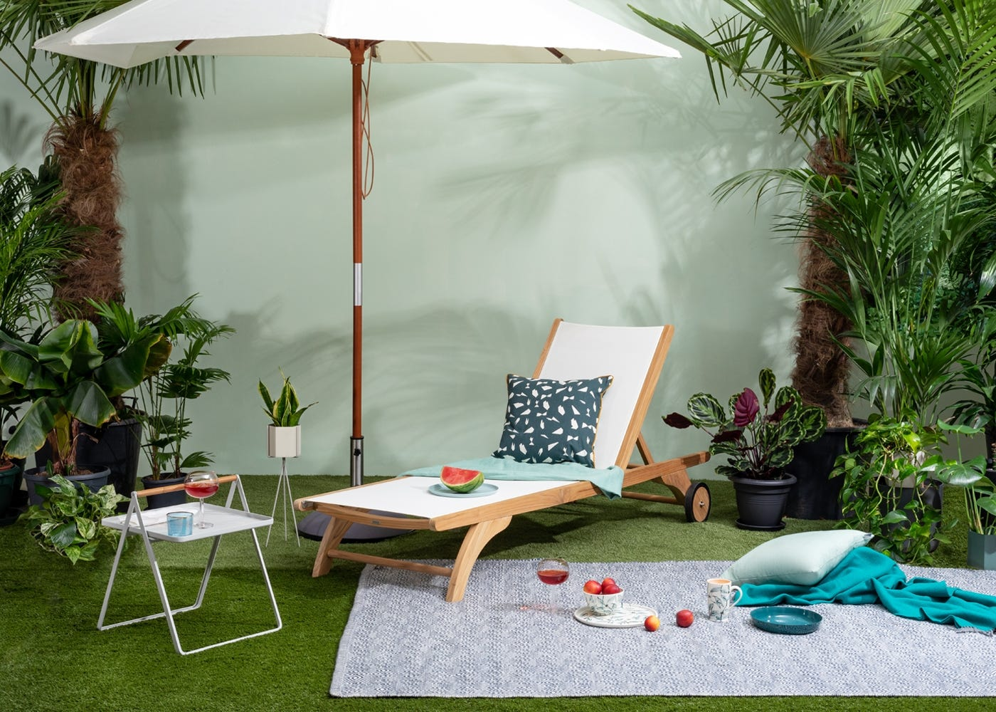 By Your Side Table Light Grey, Columbus Garden Sun Lounger, Catania Garden Umbrella