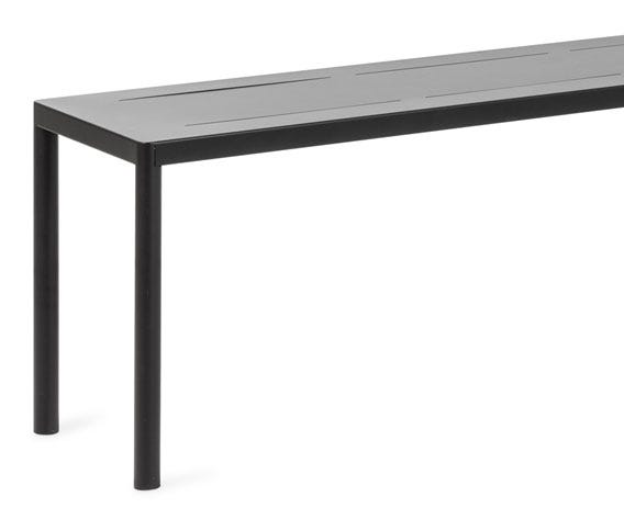 Produced from lightweight materials the Petra bench can be easily moved and stored.