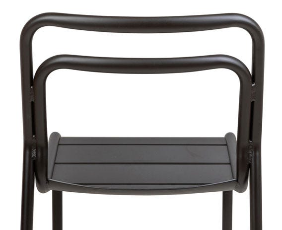 Smooth curves and a shapely backrest provide ultimate ergonomic support.