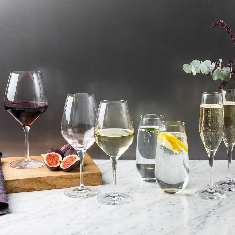 From left to right: Burgundy, Red Wine, White Wine, 2 x High Ball, 2 x Champagne Flute