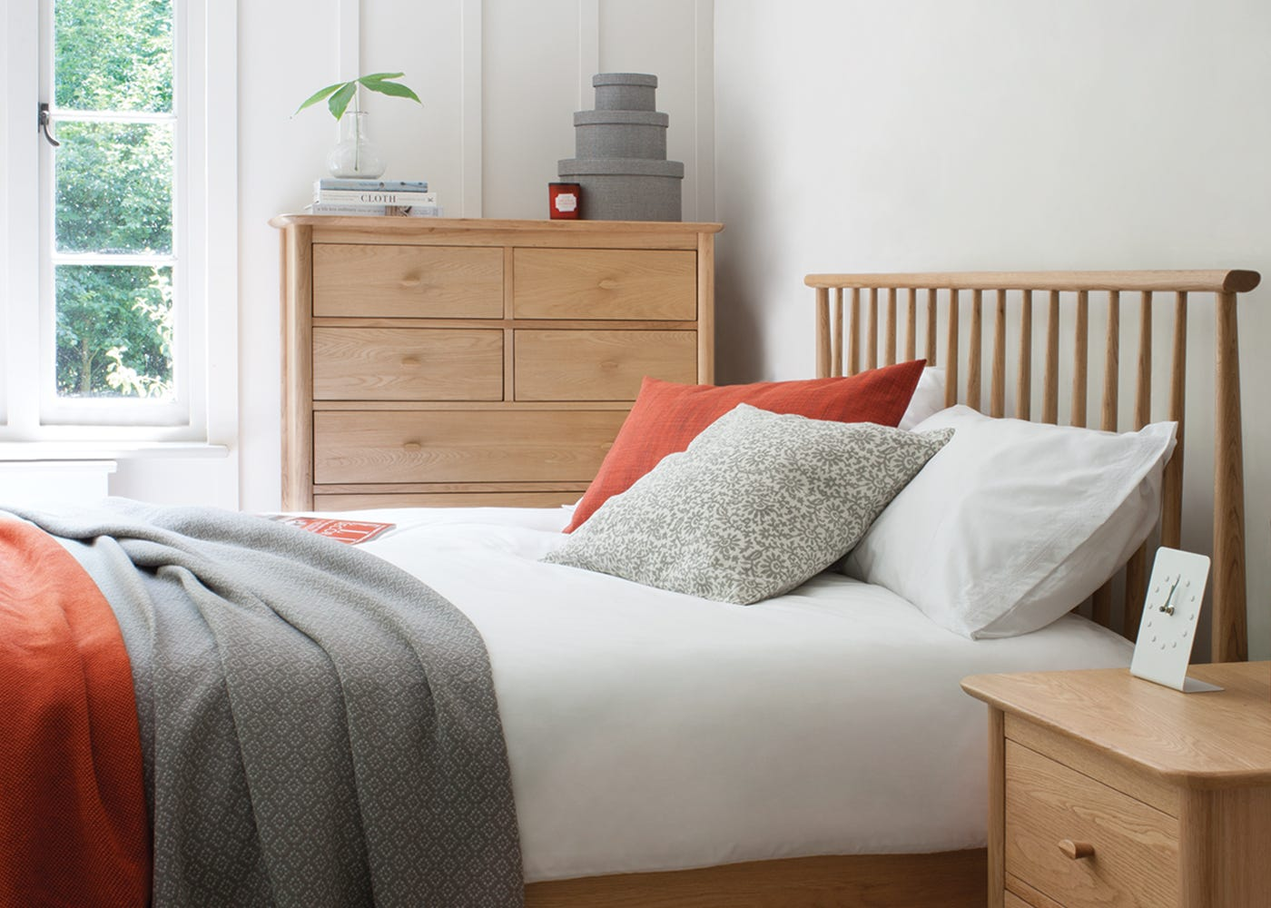 Teramo 7 Drawer Chest, Bed & Bedside Cabinet