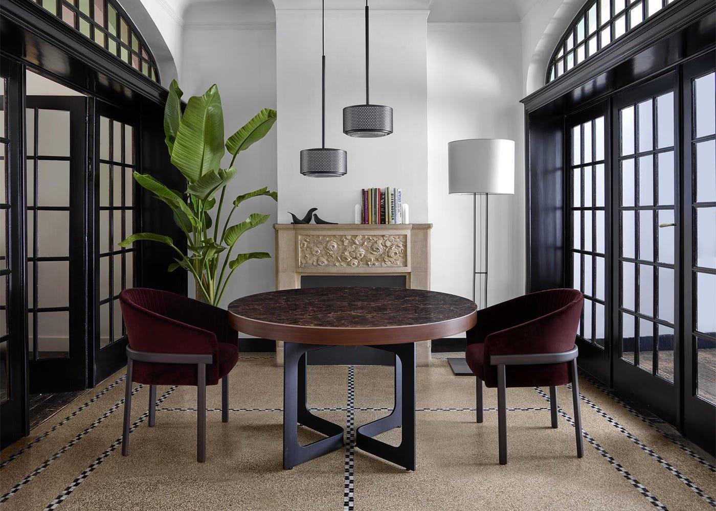U Turn Floor lamp - Dining View
